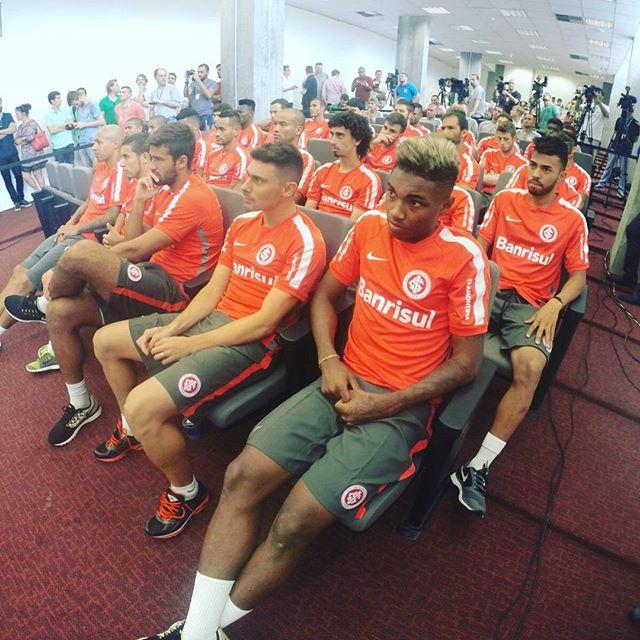 Instagram media scinternacionaloficial - 32 jogadores se apresentaram nesta segunda-feira no Beira-Rio #VamoInter
