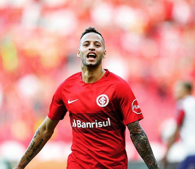 Nico comemora o segundo gol dele (Foto/Ricardo Duarte)